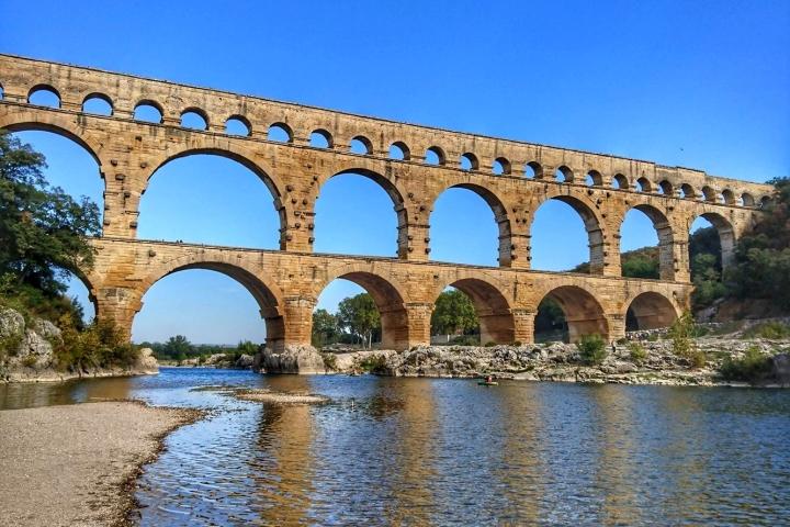Balade sur les traces de l'Aqueduc deNîmes