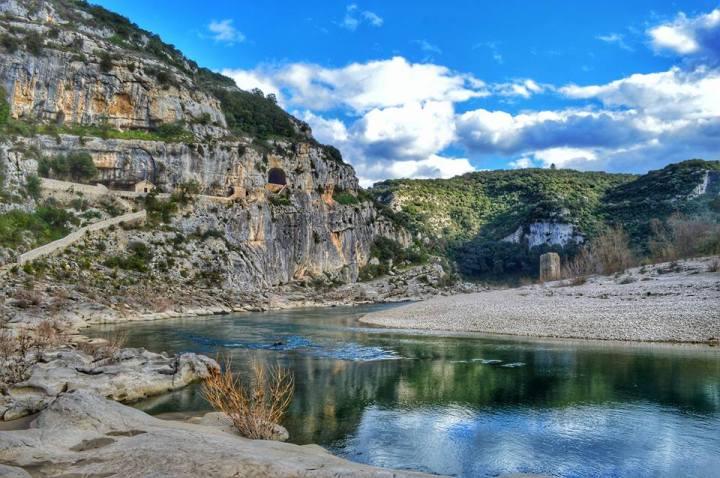 Randonnée à l'ermitage St Vérédème et la grotte de laBaume